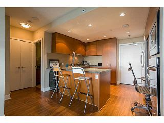Photo 2: 2505 3008 GLEN Drive in Coquitlam: North Coquitlam Condo for sale : MLS®# V1080140