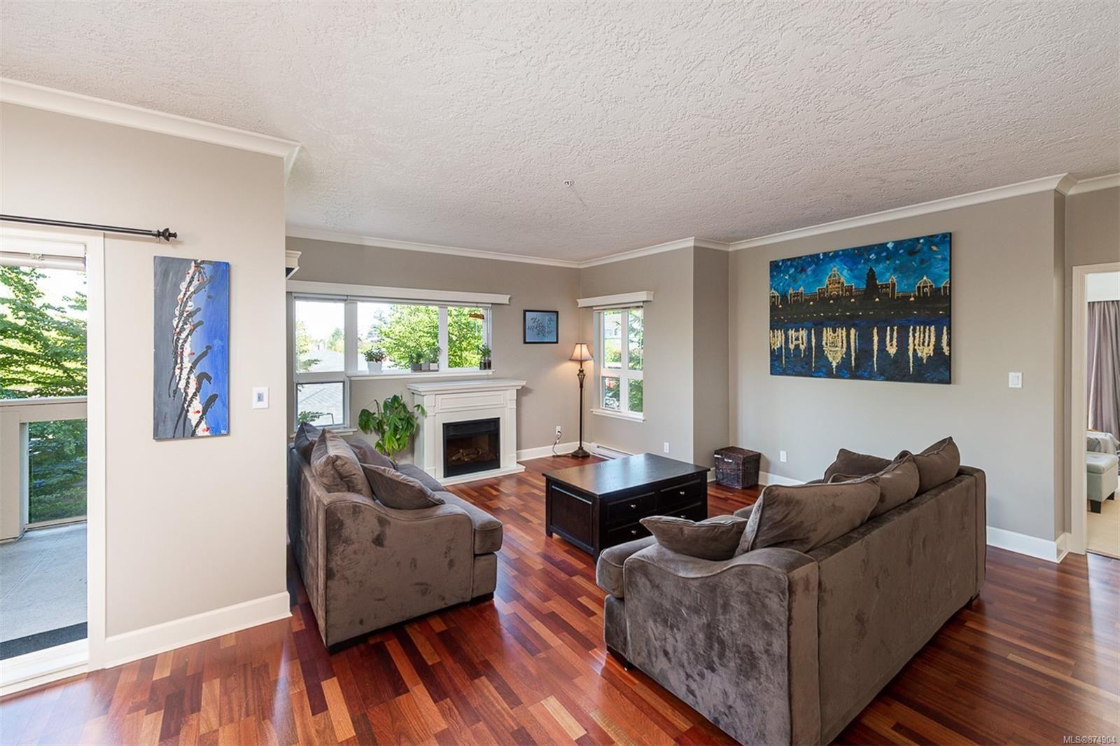 Main Photo: 201 1156 Colville Rd in : Es Gorge Vale Condo for sale (Esquimalt)  : MLS®# 874904