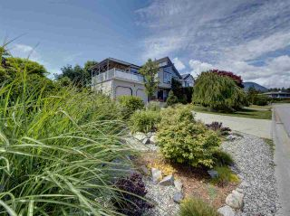 "Photo 37: 503 EAGLECREST Drive in Gibsons: Gibsons & Area House for sale in ""Oceanount Estates"" (Sunshine Coast)  : MLS®# R2493447"