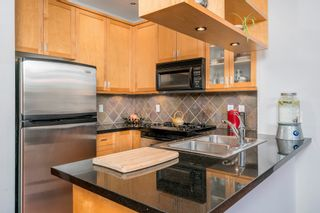 """Photo 10: 218 2515 ONTARIO Street in Vancouver: Mount Pleasant VW Condo for sale in """"ELEMENTS"""" (Vancouver West)  : MLS®# R2200404"""