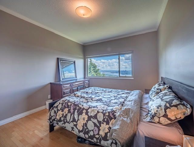 Photo 19: Photos: 2426 Westhill Court Upper in West Vancouver: Westhill House for rent