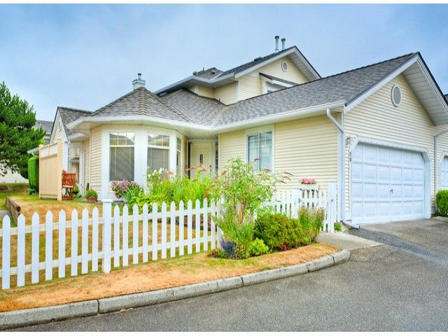 """Main Photo: 28 21138 88TH Avenue in Langley: Walnut Grove Townhouse for sale in """"SPENCER GREEN"""" : MLS®# F1318729"""