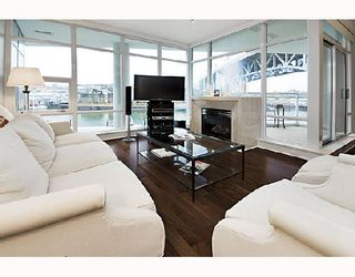 """Photo 3: 503 628 KINGHORNE MEWS BB in Vancouver: False Creek North Condo for sale in """"SILVER SEA"""" (Vancouver West)  : MLS®# V683660"""