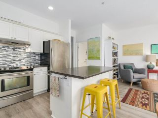 """Photo 6: 1165 VIDAL STREET: White Rock Townhouse for sale in """"Montecito by the Sea"""" (South Surrey White Rock)  : MLS®# R2204534"""