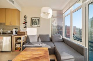 "Photo 17: 907 38 W 1ST Avenue in Vancouver: False Creek Condo for sale in ""The One"" (Vancouver West)  : MLS®# R2552477"