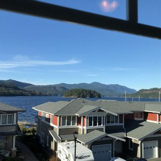 "Photo 12: 5976 BEACHGATE Lane in Sechelt: Sechelt District Townhouse for sale in ""Edgewater"" (Sunshine Coast)  : MLS®# R2333823"