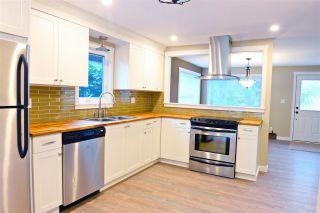 Photo 4: 5778 EBBTIDE Street in Sechelt: Sechelt District House for sale (Sunshine Coast)  : MLS®# R2396362