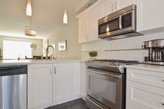"""Photo 11: 50 2469 164 Street in Surrey: Grandview Surrey Townhouse for sale in """"ABBEY ROAD"""" (South Surrey White Rock)  : MLS®# R2091888"""