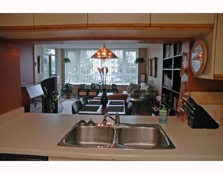 """Photo 10: 401 6055 NELSON Avenue in Burnaby: Forest Glen BS Condo for sale in """"La Mirage"""" (Burnaby South)  : MLS®# V691418"""