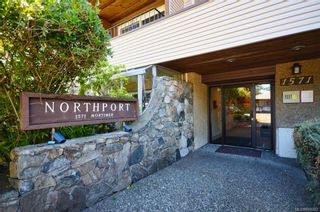 Photo 2: 304 1571 Mortimer St in Saanich: SE Mt Tolmie Condo for sale (Saanich East)  : MLS®# 845262