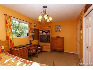 Photo 14: 924 Wendey Dr in VICTORIA: La Walfred House for sale (Langford)  : MLS®# 675974