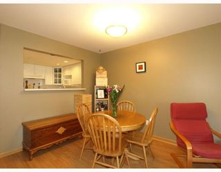 """Photo 4: 303 789 W 16TH Avenue in Vancouver: Fairview VW Condo for sale in """"SIXTEEN WILLOWS"""" (Vancouver West)  : MLS®# V774177"""