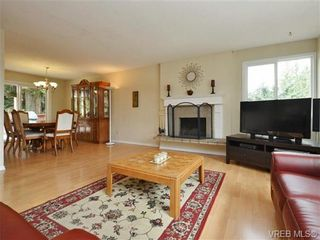 Photo 3: 3349 Betula Pl in VICTORIA: Co Triangle House for sale (Colwood)  : MLS®# 735749