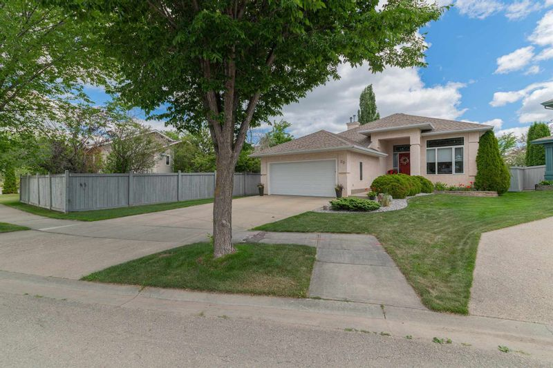 FEATURED LISTING: 20 HILLCREST Place St. Albert