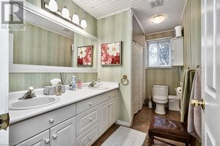 Photo 22: 379 LAKESHORE Road W in Oakville: House for sale : MLS®# 40175070