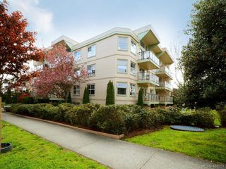 Photo 20: 311 2560 Wark St in VICTORIA: Vi Hillside Condo for sale (Victoria)  : MLS®# 811579