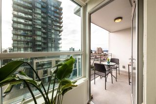 "Photo 17: 305 112 E 13TH Street in North Vancouver: Central Lonsdale Condo for sale in ""CENTREVIEW"" : MLS®# R2535152"