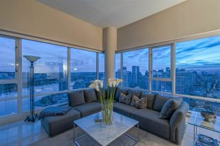 """Photo 7: 3905 1033 MARINASIDE Crescent in Vancouver: Yaletown Condo for sale in """"QUAYWEST"""" (Vancouver West)  : MLS®# R2366439"""