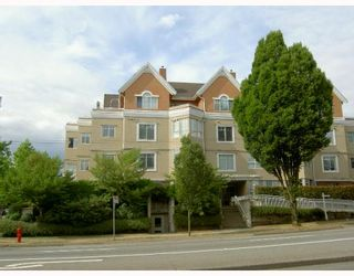 """Photo 2: 204 2505 E BROADWAY BB in Vancouver: Renfrew VE Condo for sale in """"8TH AVENUE TERRACES"""" (Vancouver East)  : MLS®# V772961"""