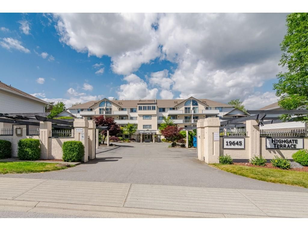 "Main Photo: 502 19645 64 Avenue in Langley: Willoughby Heights Townhouse for sale in ""HIGHGATE TERRACE"" : MLS®# R2437832"