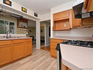 Photo 4: 985 Haslam Ave in VICTORIA: La Glen Lake House for sale (Langford)  : MLS®# 750878