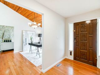 Photo 3: 763 WEYMOUTH Drive in North Vancouver: Lynn Valley House for sale : MLS®# R2557549