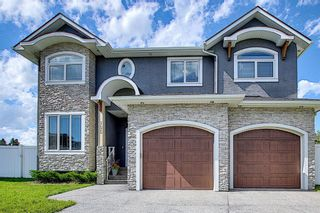 Photo 2: 105 KINNIBURGH Bay: Chestermere Detached for sale : MLS®# A1116532