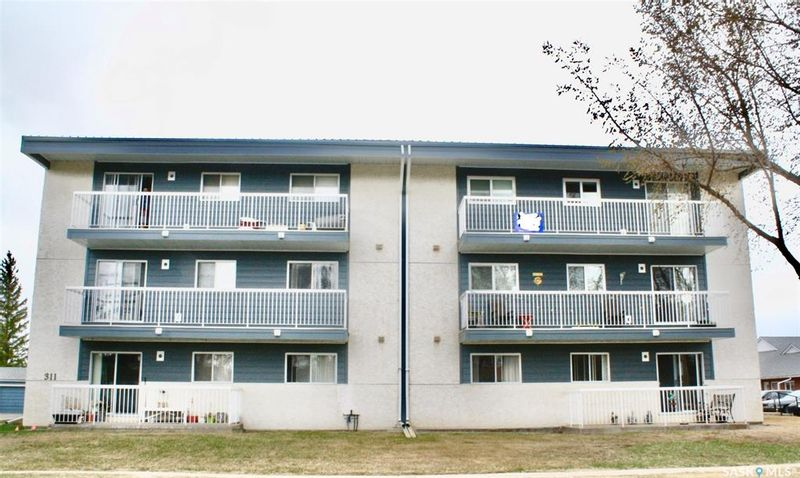 FEATURED LISTING: 302 - 311 1st Street West Rosetown