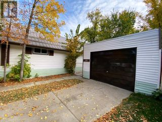 Photo 4: 224 Centre Street in Brooks: House for sale : MLS®# A1149376