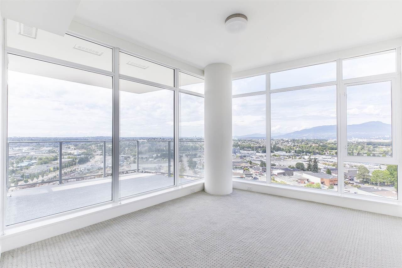"""Photo 12: Photos: 2105 1788 GILMORE Avenue in Burnaby: Brentwood Park Condo for sale in """"Escala"""" (Burnaby North)  : MLS®# R2396907"""