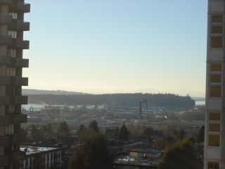 Photo 13: 901 121 W 15TH Street in North Vancouver: Central Lonsdale Condo for sale : MLS®# R2130722