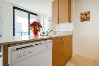 """Photo 13: 1407 977 MAINLAND Street in Vancouver: Yaletown Condo for sale in """"YALETOWN PARK 3"""" (Vancouver West)  : MLS®# R2524539"""
