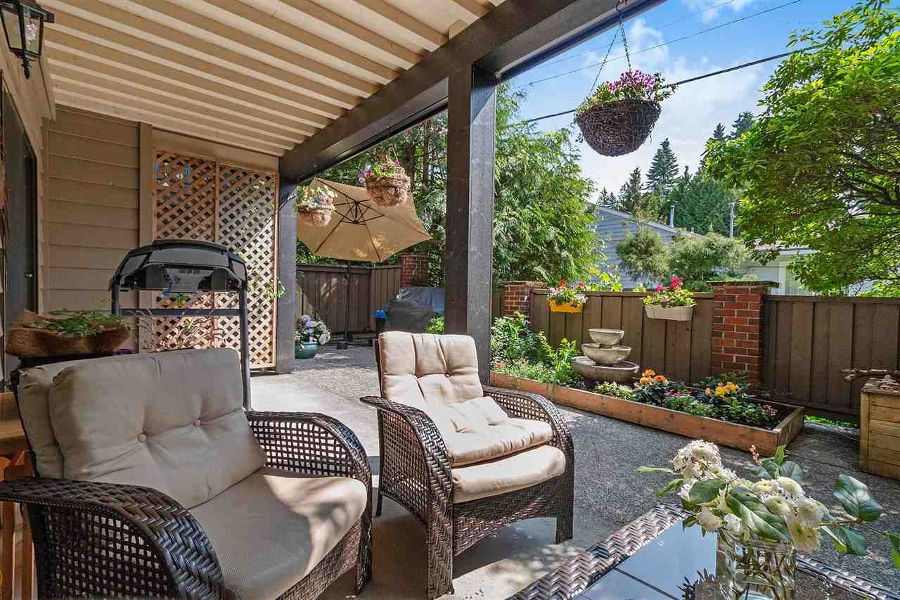 """Main Photo: 106 101 E 29TH Street in North Vancouver: Upper Lonsdale Condo for sale in """"COVENTRY HOUSE"""" : MLS®# R2376247"""