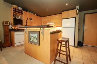 """Photo 11: 510 549 COLUMBIA Street in New Westminster: Downtown NW Condo for sale in """"C2C LOFTS & FLATS"""" : MLS®# R2031496"""