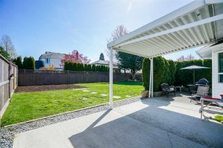 """Photo 17: 6080 185B Street in Surrey: Cloverdale BC House for sale in """"Eagle Crest"""" (Cloverdale)  : MLS®# R2260925"""
