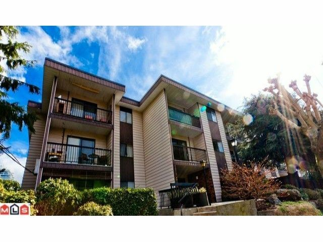 "Main Photo: 220 1442 BLACKWOOD Street: White Rock Condo for sale in ""Blackwood Manor"" (South Surrey White Rock)  : MLS®# F1106343"
