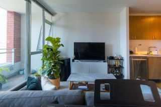 Photo 3: 303 221 UNION Street in Vancouver: Strathcona Condo for sale (Vancouver East)  : MLS®# R2611069