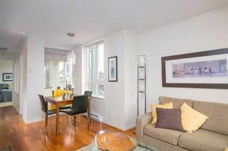 "Photo 2: 401 2483 SPRUCE Street in Vancouver: Fairview VW Condo for sale in ""Skyline"" (Vancouver West)  : MLS®# R2131999"