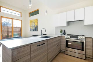 Photo 16: 847 E 15TH Street in North Vancouver: Boulevard House for sale : MLS®# R2439163