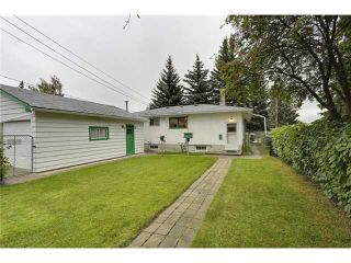 Photo 2: 1 42 Street SW in Calgary: Wildwood Residential Detached Single Family for sale : MLS®# C3634389