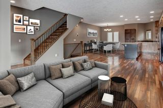 Photo 2: 2315 1 Street NE in Calgary: Tuxedo Park Row/Townhouse for sale : MLS®# A1086504