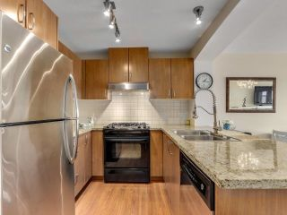 """Photo 10: 317 3082 DAYANEE SPRINGS Boulevard in Coquitlam: Westwood Plateau Condo for sale in """"The Lanterns"""" : MLS®# R2616558"""
