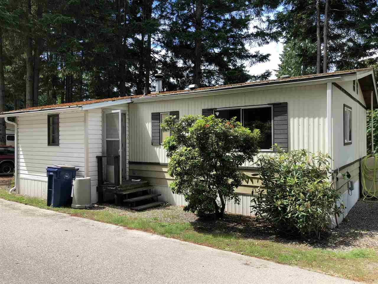 "Main Photo: 7 5294 SELMA PARK Road in Sechelt: Sechelt District Manufactured Home for sale in ""SELMA VISTA MOBILE HOME PARK"" (Sunshine Coast)  : MLS®# R2293722"