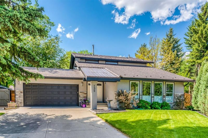 FEATURED LISTING: 135 Lake Mead Green Southeast Calgary