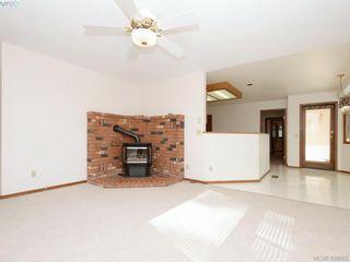 Photo 6: 1788 Fairfax Pl in NORTH SAANICH: NS Dean Park House for sale (North Saanich)  : MLS®# 807052