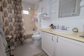 Photo 12: 71 1840 160 Street in Surrey: King George Corridor Manufactured Home for sale (South Surrey White Rock)  : MLS®# R2558094
