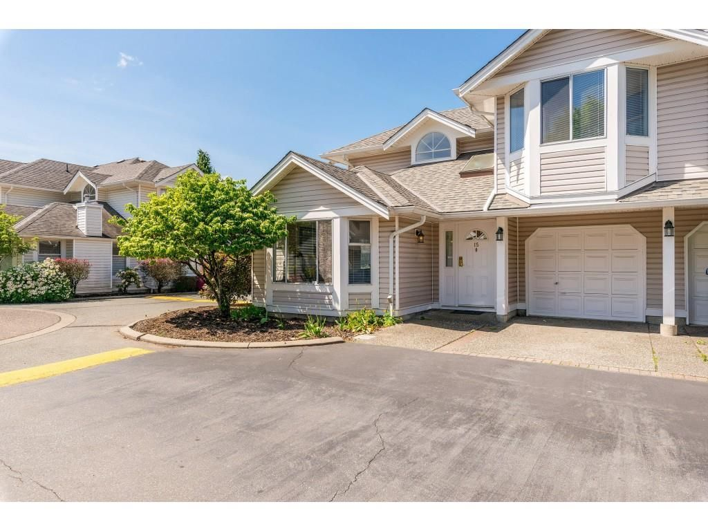Main Photo: 15 7955 122 STREET in Surrey: West Newton Townhouse for sale : MLS®# R2372715