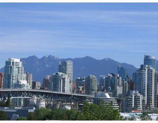 "Photo 3: 403 1345 W 4TH Avenue in Vancouver: False Creek Condo for sale in ""GRANVILLE ISLAND VILLAGE"" (Vancouver West)  : MLS®# V715867"