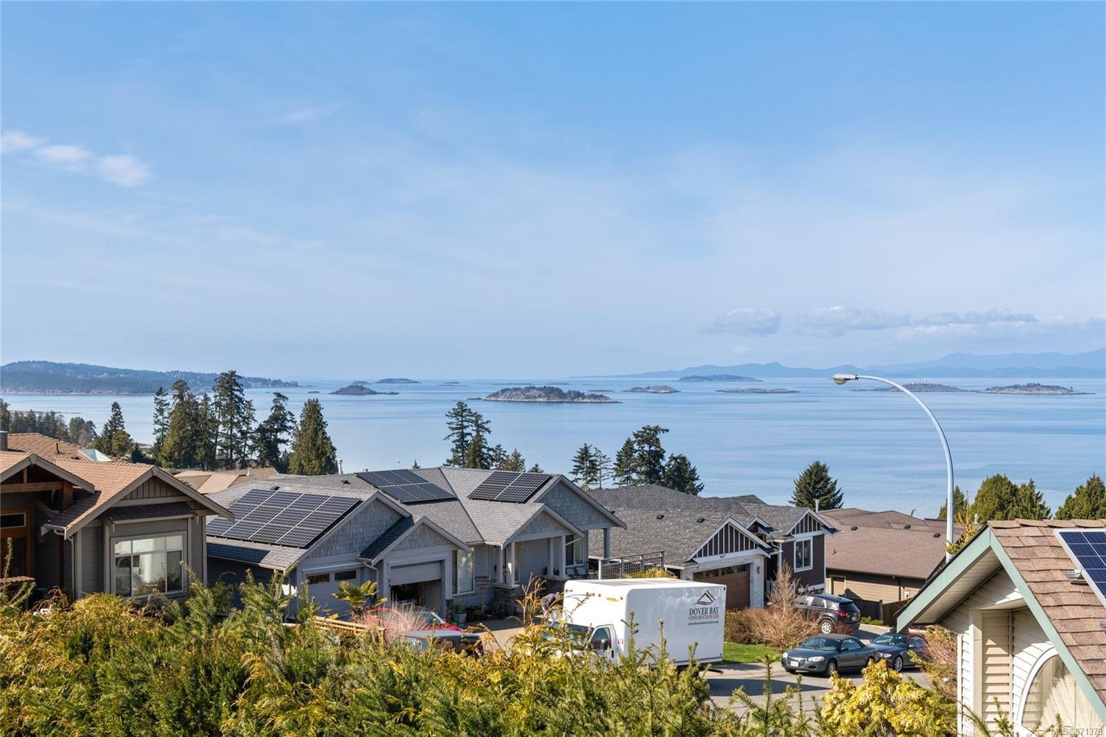 Main Photo: 6394 Groveland Dr in : Na North Nanaimo House for sale (Nanaimo)  : MLS®# 871379
