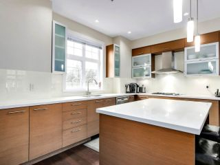 "Photo 9: 5439 WILLOW Street in Vancouver: Cambie Townhouse for sale in ""AURA AT OAKRIDGE"" (Vancouver West)  : MLS®# R2527541"